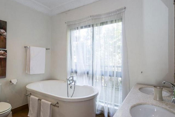 Forest Villa In Zimbali Jac001 Rooms247